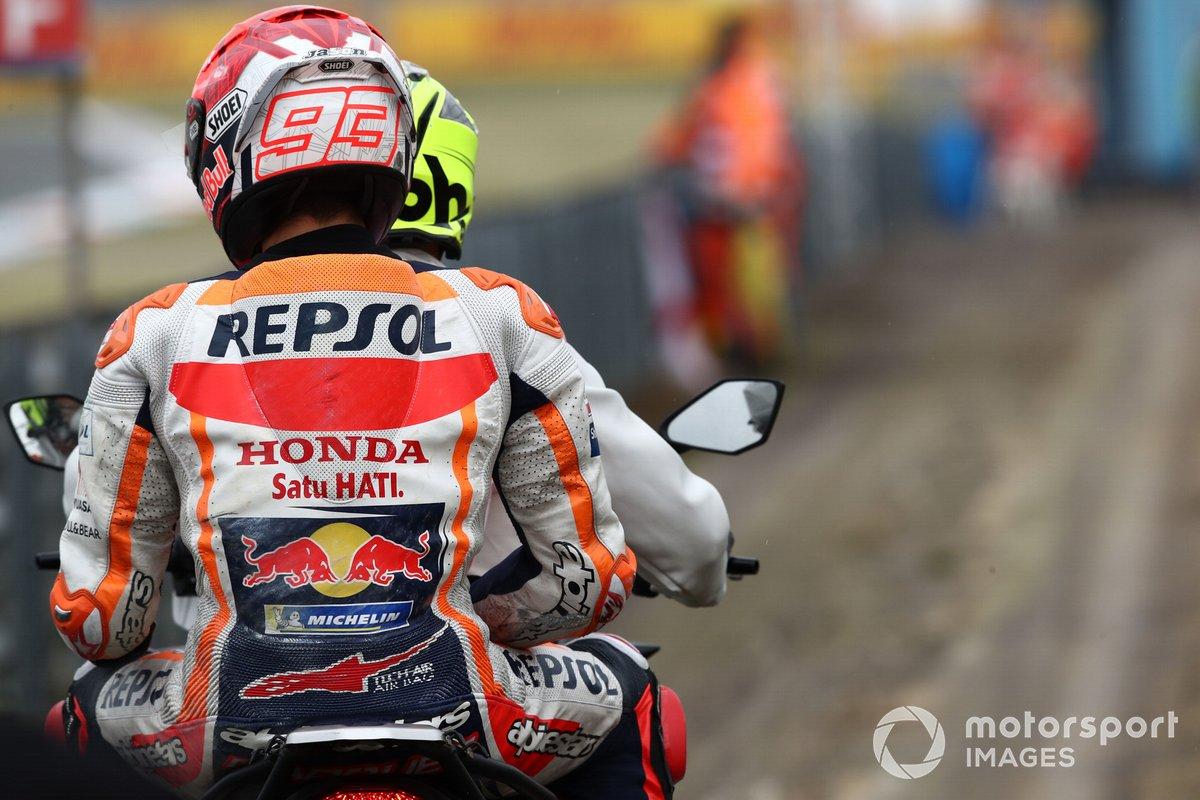 Marc Márquez, Repsol Honda Team después de la caída