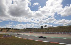 Льюис Хэмилтон, Mercedes W12, Серхио Перес, Red Bull Racing RB16B