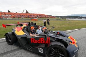 Sergio Perez, Red Bull Racing et Max Verstappen, Red Bull Racing, pilotent des KTM X-Bow