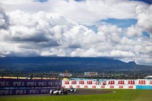 Pascal Wehrlein, Tag Heuer Porsche, Porsche 99X Electric, Jake Dennis, BMW I Andretti Motorsport, BMW iFE.21