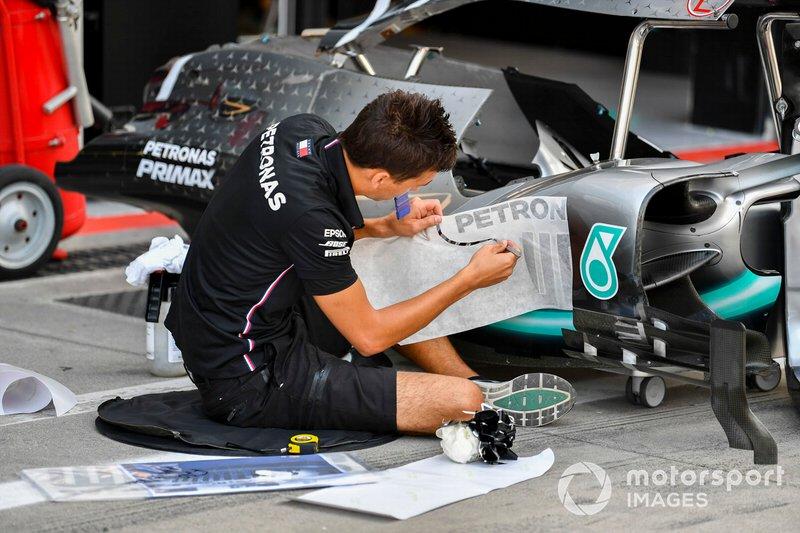 Lateral da Mercedes