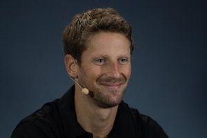 Romain Grosjean, Haas F1 Team en la conferencia de prensa