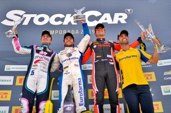 Pódio da corrida 2 da Stock Car em Santa Cruz do Sul: Denis Navarro, Ricardo Mauricio, Nelson Piquet Jr.