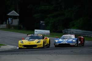#4 Corvette Racing Corvette C7.R, GTLM: Oliver Gavin, Marcel Fassler, #66 Ford Chip Ganassi Racing Ford GT, GTLM: Joey Hand, Dirk Mueller
