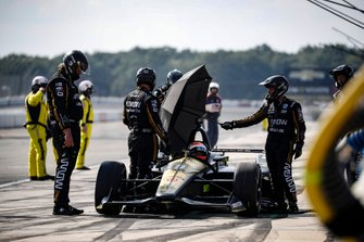James Hinchcliffe, Arrow Schmidt Peterson Motorsports Honda serves his lap penalty after repair