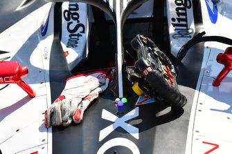 Maximilian Günther's, Dragon Racing gloves, steering wheel