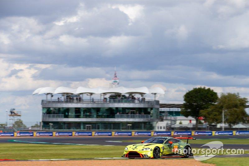 #98 ASTON MARTIN RACING - Aston Martin Vantage AMR: Paul Dalla Lana, Ross Gunn, Darren Turner Race