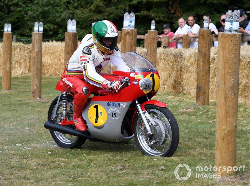 Campeón del mundo de 500cc y de 350cc en 1970*