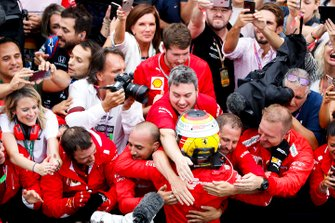 Sebastian Vettel, Ferrari celebrates with his team