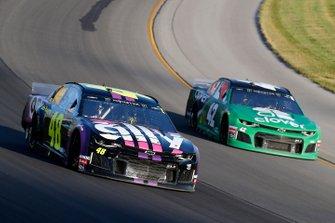 Jimmie Johnson, Hendrick Motorsports, Chevrolet Camaro Ally and Kyle Larson, Chip Ganassi Racing, Chevrolet Camaro Clover