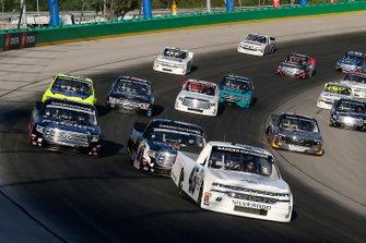 Ross Chastain, Niece Motorsports, Chevrolet Silverado Niece anf Todd Gilliland, Kyle Busch Motorsports, Toyota Tundra Mobil 1