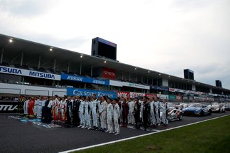 All driver in front of the cars