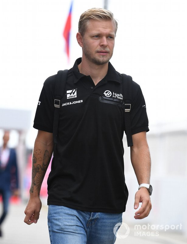 Kevin Magnussen, Haas, arrives at the track