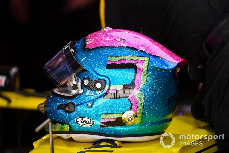 The helmet of Daniel Ricciardo, Renault F1 Team R.S.19
