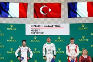 Podio: il vincitore della gara Ayhancan Güven, martinet by ALMERAS, il secondo classificato Julien Andlauer, BWT Lechner Racing, il terzo classificato Florian Latorre, FACH AUTO TECH