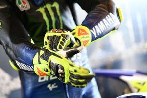 Valentino Rossi, Yamaha Factory Racing, handschoenen detail