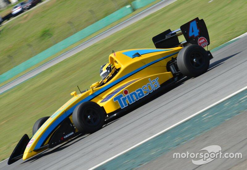 Rodrigo Pedroso, com novo patrocinador, estreou novo layout em seu Amarelinho #04