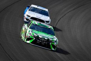 Kyle Busch, Joe Gibbs Racing, Toyota Camry Interstate Batteries, Ryan Newman, Roush Fenway Racing, Ford Mustang Wyndham Rewards