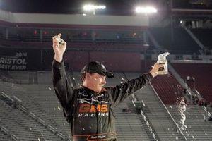 Race Winner Brett Moffitt, GMS Racing, Chevrolet Silverado Midnight Moon Moonshine