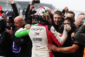 Ganador Jack Goff, Team Hard Volkswagen Passat CC