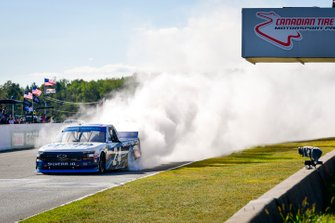Race Winner Brett Moffitt, GMS Racing, Chevrolet Silverado