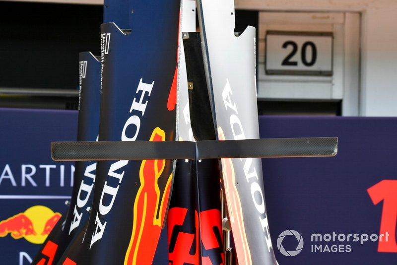 Red Bull RB15: T-Flügel