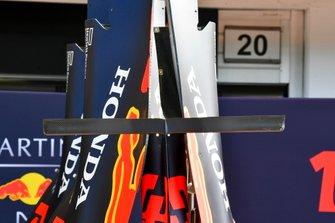 Dettaglio del cofano motore dela Red Bull Racing RB15