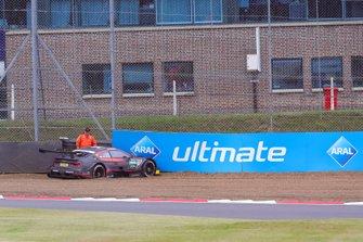 Crash: Jonathan Aberdein, Audi Sport Team WRT, Audi RS 5 DTM