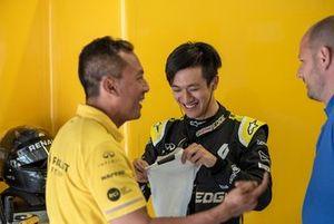 Guanyu Zhou, Renault Sport Academy, teste une Renault 2017 en Autriche
