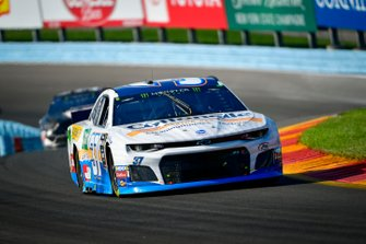 Chris Buescher, JTG Daugherty Racing, Chevrolet Camaro Cottonelle