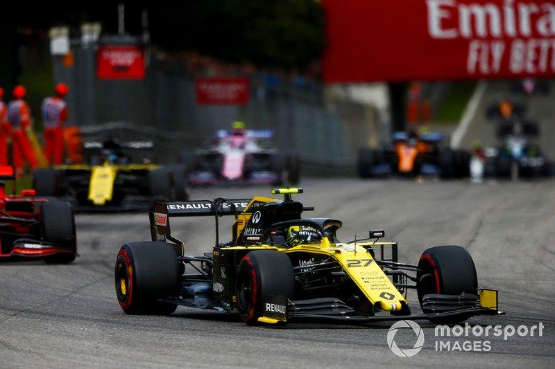 Renault em alta