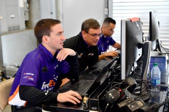 Denny Hamlin, Joe Gibbs Racing, Toyota Camry FedEx Express crew