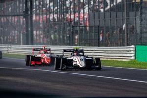 Фабио Шерер, Sauber Junior Team by Charouz, и Роберт Шварцман, PREMA Racing
