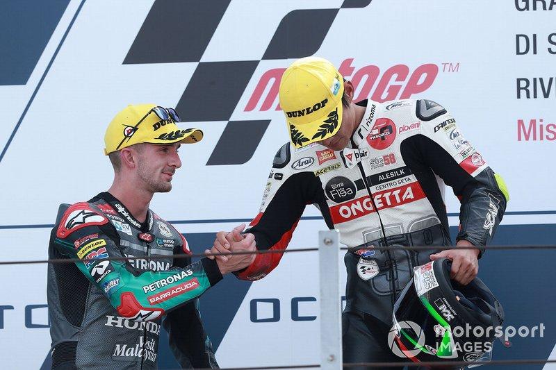 Podio: il vincitore della gara Tatsuki Suzuki, SIC58 Squadra Corse, secondo classificato John McPhee, SIC Racing Team