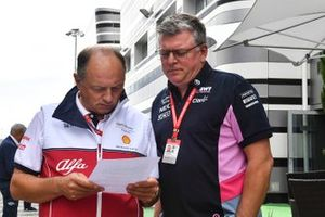 Frederic Vasseur, Team Principal, Alfa Romeo Racing, and Otmar Szafnauer, Team Principal and CEO, Racing Point