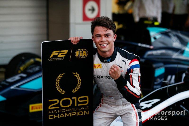 Формула 2. Победитель серии в личном зачете – Ник де Врис
