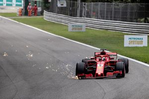 Sebastian Vettel, Ferrari SF71H después de un trompo
