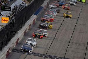 Denny Hamlin, Joe Gibbs Racing, Toyota Camry FedEx Throwback Toyota Camry and Kyle Larson, Chip Ganassi Racing, Chevrolet Camaro DC Solar