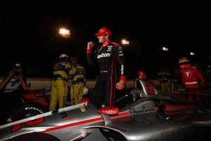 Will Power, Team Penske Chevrolet celebrates in victory lane