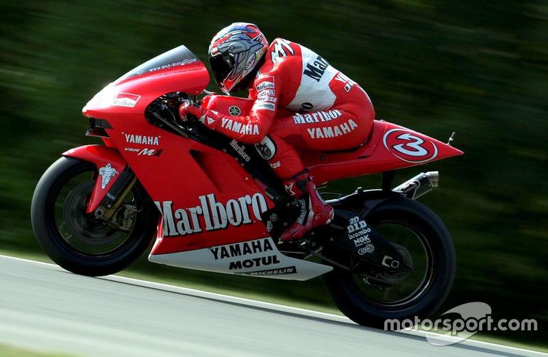 Max Biaggi, Yamaha, en 2002