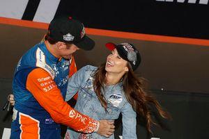 Campeón Scott Dixon, Chip Ganassi Racing Honda, esposa Emma