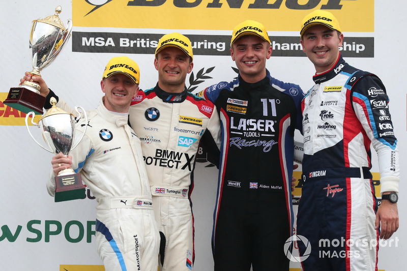 Ricky Collard, WSR BMW, Colin Turkington, WSR BMW y Aiden Moffat, Laser Tools Racing Mercedes A-Class