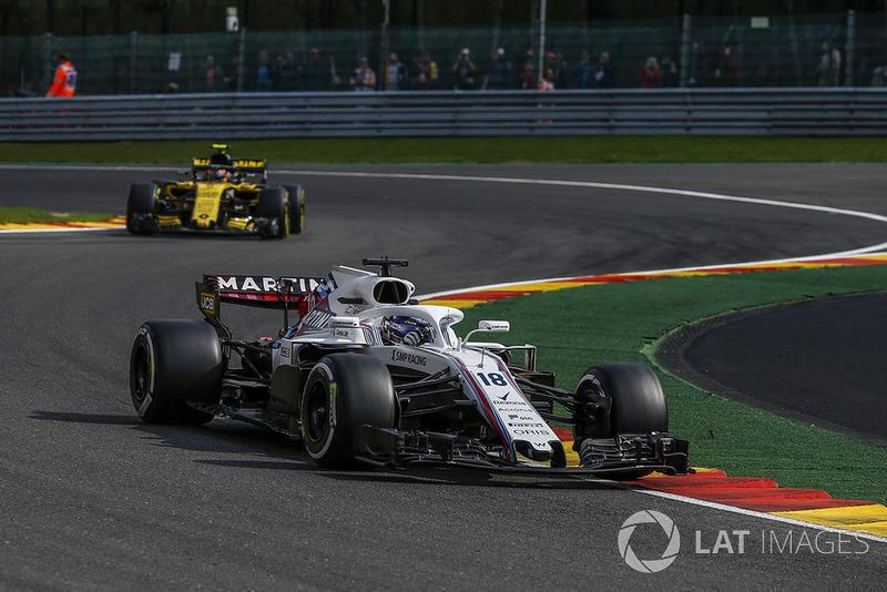 Lance Stroll, Williams FW41 y Carlos Sainz Jr., Renault Sport F1 Team R.S. 18