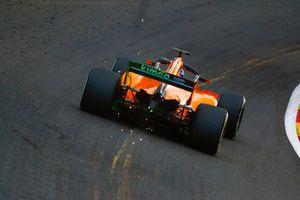Scintille dalla monoposto di Lando Norris, McLaren MCL33