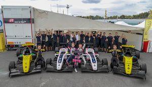 R-ACE GP teamfoto, Max Fewtrell, R-Ace G, Victor Martins, R-Ace G, Charles Milesi, R-Ace G, Logan Sargeant, R-Ace GP
