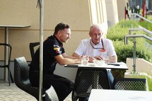 Christian Horner, Team Principal, Red Bull Racing, talks to Helmut Marko, Consultant, Red Bull Racing