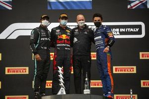 Lewis Hamilton, Mercedes, Race Winner Max Verstappen, Red Bull Racing and Lando Norris, McLaren on the podium