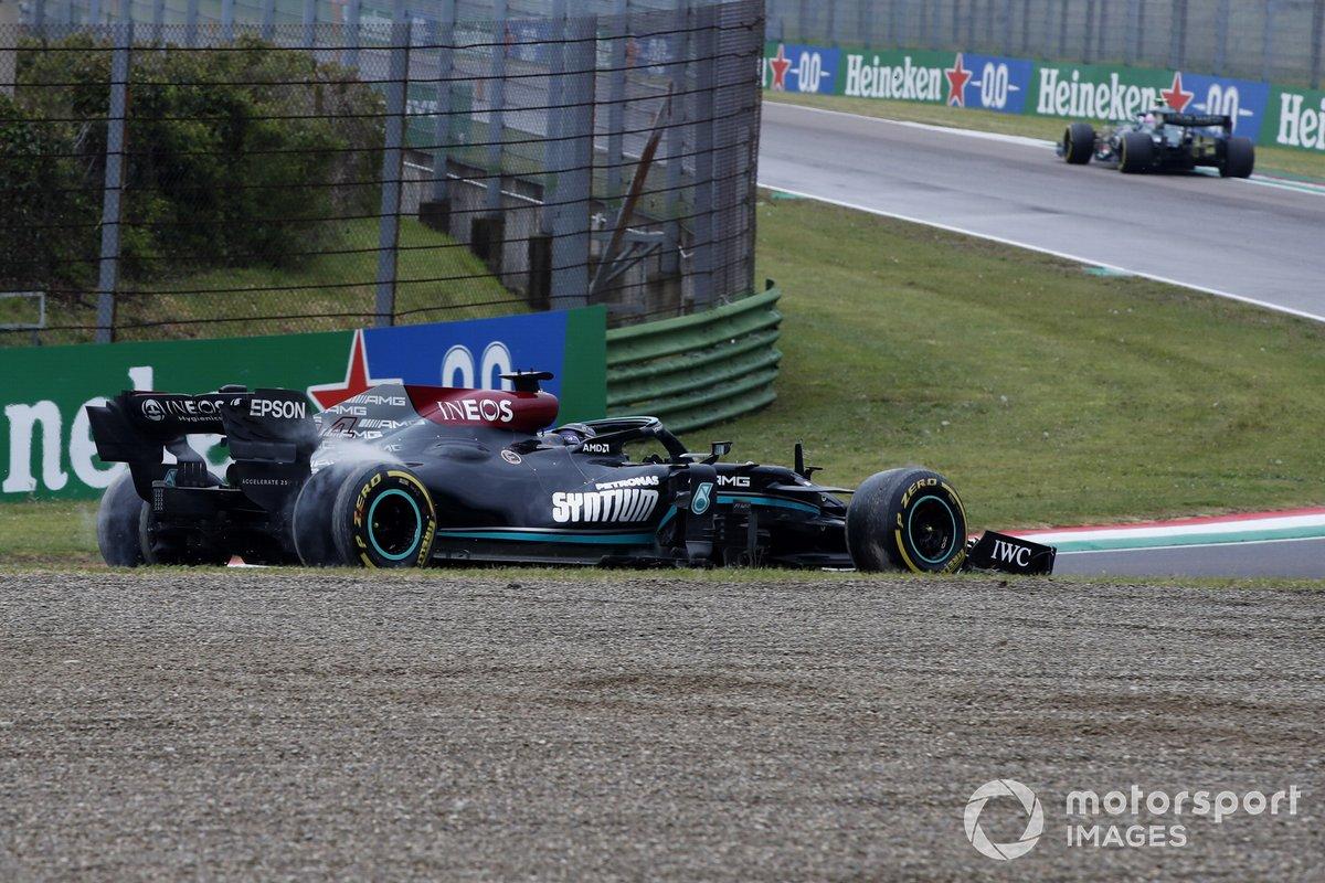 Lewis Hamilton, Mercedes W12 se despista