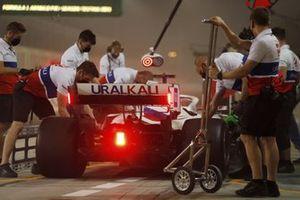 Nikita Mazepin, VF-21, stops outside of his pit garage