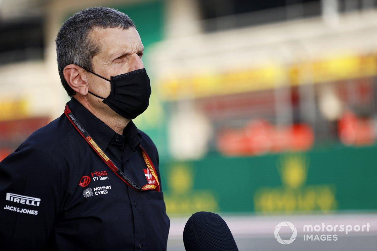 Guenther Steiner, Team Principal, Haas F1 parla con i media nel giorno in cui Mick Schumacher viene annunciato come pilota Haas F1